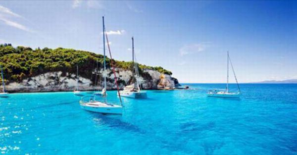 Journée en mer sur voilier, criques et iles paradisiaques Cote d'Azur