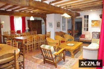 Bourgogne grand gite de groupe avec salles de fête pour 45 pers.