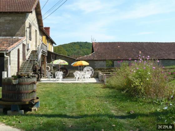 Gite au moulin avec pêche sur place