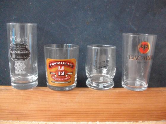 Verres et Services à Whisky, Liqueur et Digestif