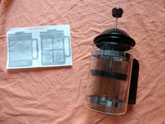 Mini-Cafetière à piston à 0,80 €-neuve