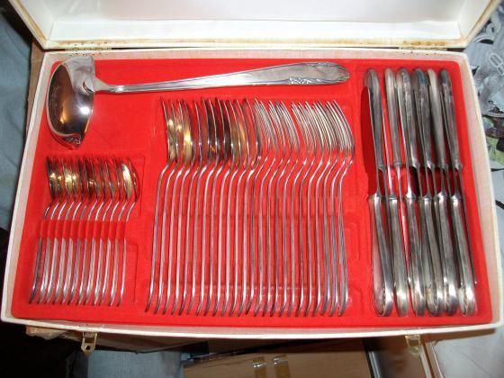 Coffrets Ménagères 49 pièces en Inox - jamais servis