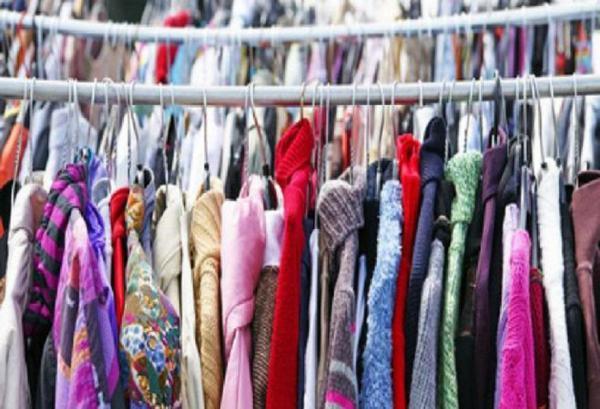 Braderie Vêtements, Jouets, Puériculture VILLENEUVE SUR AUVERS
