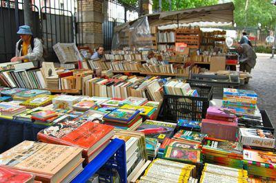 Marché aux Livres Anciens et Vieux Papiers - LYON 07
