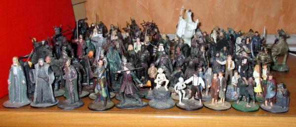 90 figurines le seigneur des anneaux.