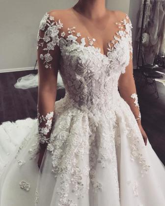 Vivaviktoria, créatrice de robe de mariée