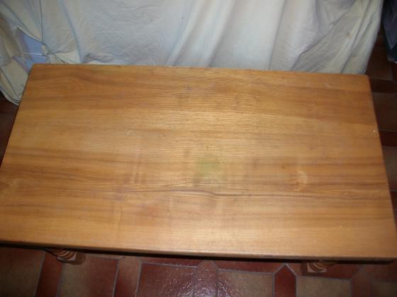 Table basse de salon en bois clair