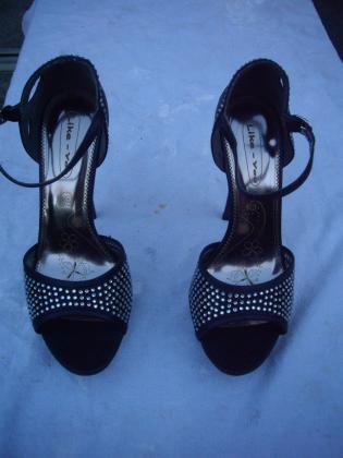 Escarpins Noir à brillants pt38 talons 12cm-neuf