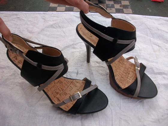 Escarpins Noir laçage camel pt 39 talons 11 cm-neufs