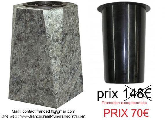 Vase en granit , objet de décoration
