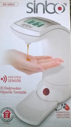 Distributeur de savon ou liquide désinfectant
