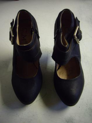 Escarpins Noir à boucle talon 10 cm pt 38 à 7 €