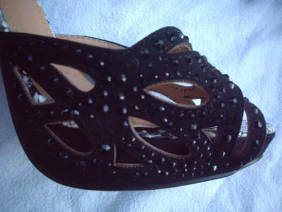 Sandales Noir Python talons 13 cm pt 38-neuves