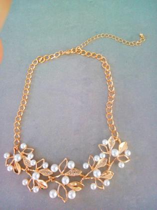 Magnifique collier fantaisie