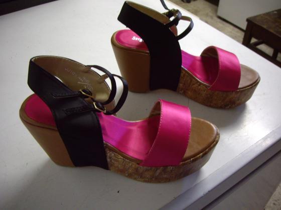 Chaussures d'été à talons compensés pt 38-neuves
