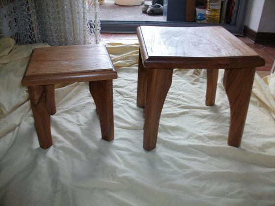 Petits Tabourets et Petites Tables d'Appoint