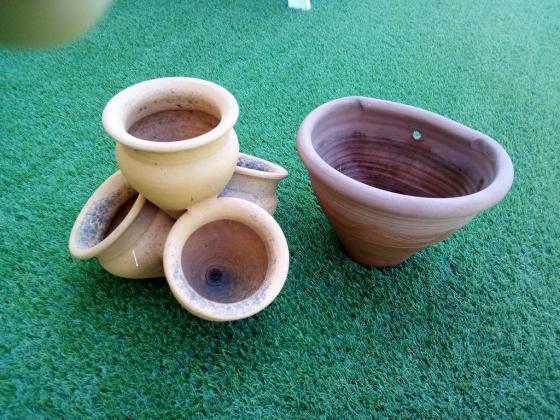 Pots en terre pour fleurs