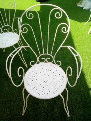 2 fauteuils de jardin en fer forgé