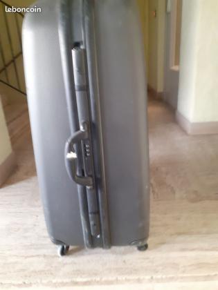 Grande valise pour soute