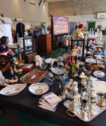 Salon aux Antiquités - Brocante de Colombey les Deux Églises
