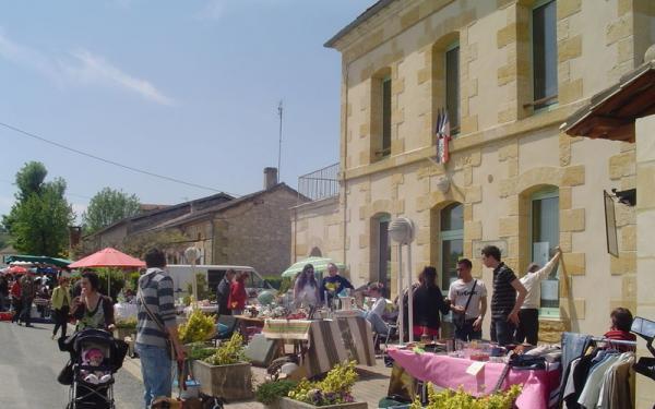 Vide-greniers de Saint-Laurent-des-Vignes