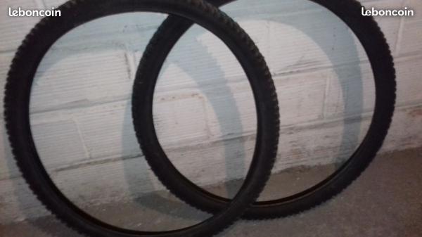 Lot 2 pneus de vélo