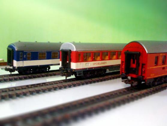 Bourse, expo trains ,voitures, avions, bateaux de Badonviller