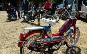 Bourse moto et auto Brocante Garage de Sausset-les-Pins