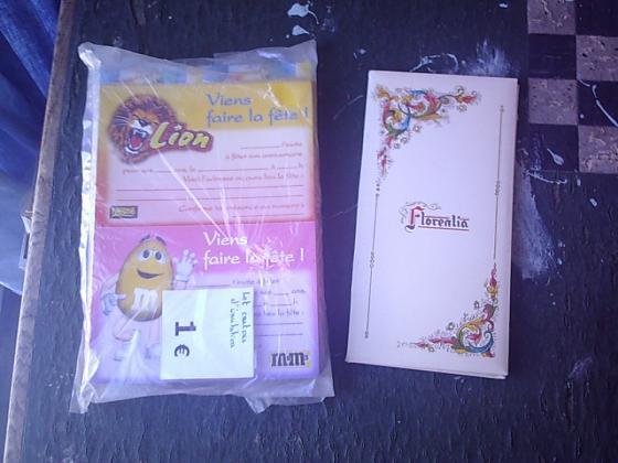 Papiers à Lettres + Lots d'Enveloppes + Cartes de Voeux diverses