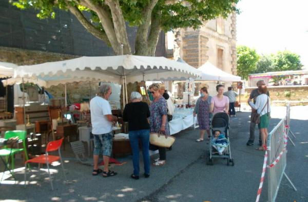 ANTIQUITES BROCANTE de La Tour-d'Aigues