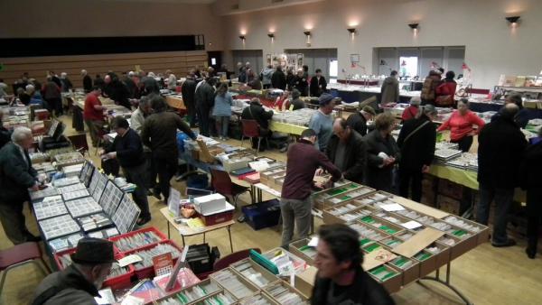 Salon des collectionneurs de Coulonges-sur-l'Autize